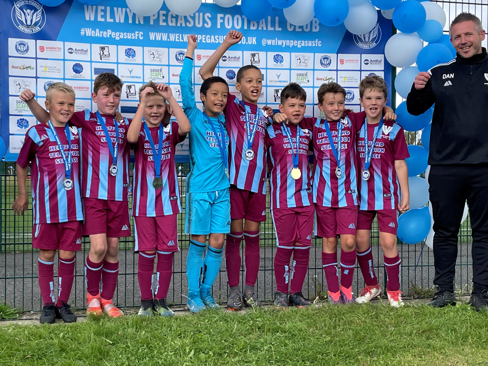Hertford TV are proud shirt sponsors of the Ware Youth Clarets Under 9 football team